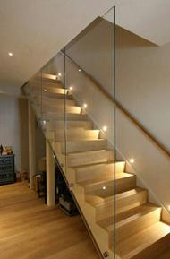 Cách lựa chọn đèn Led trang trí cầu thang đẹp và trang nhã