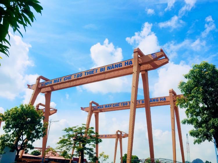 Tham quan vòng quanh Nhà máy Chế tạo máy Ninh Bình tại phường Bích Đào, TP. Ninh Bình có những gì?